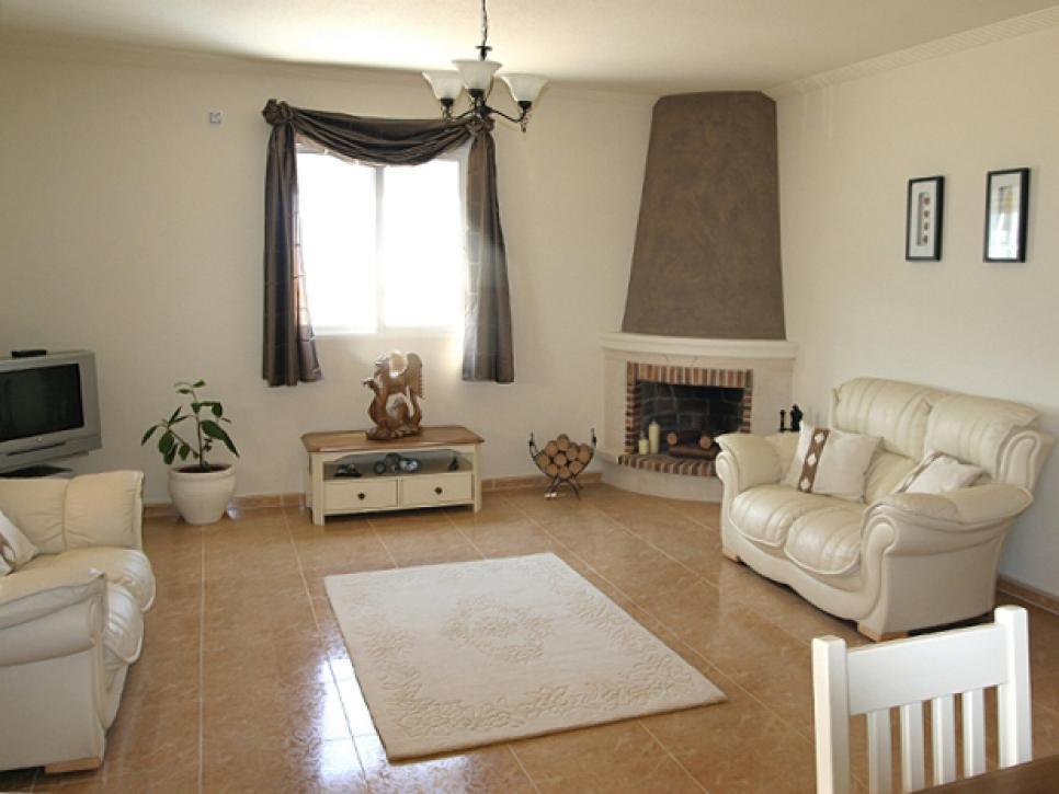 Lỗi trang trí nội thất phòng khách do chọn thảm sai kích thước